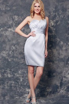 Robe de cocktail simple plissage romantique en satin de fourreau