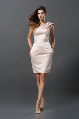 Robe de cocktail naturel officiel courte en satin de fourreau