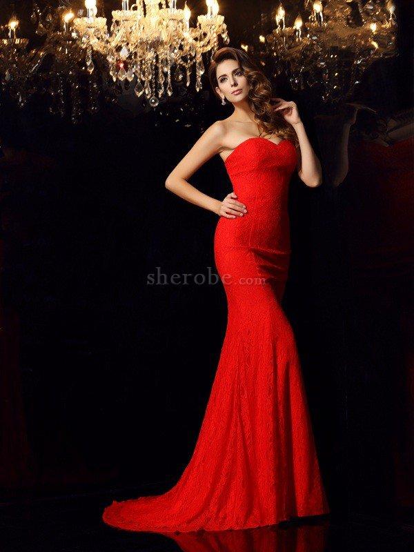 7e0aba19a0a Robe de soirée vintage longue de sirène avec sans manches col en forme de  cœur ...